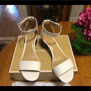 Authentic MICHAEL Michael KORS Lena Sandals, 8